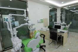 自贡华医口腔医院诊室3